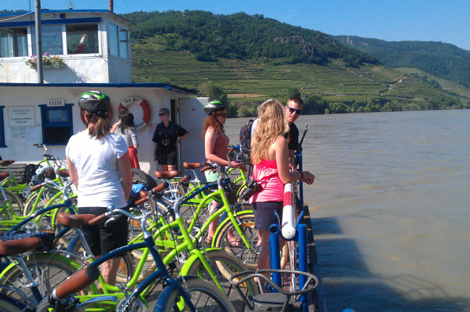 Danube_photo-ferry-crossing-Wachau-Valley-winery-bike-tour