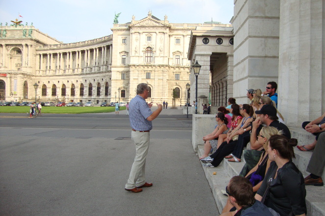 Group-photo-Hofburg-Vienna-evening-walking-tour
