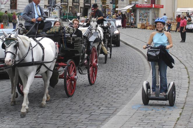 image_slide_80_Fiaker_Segway_Discover Vienna