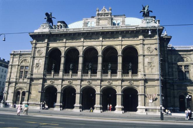 image_slide_81_opera house segway tour